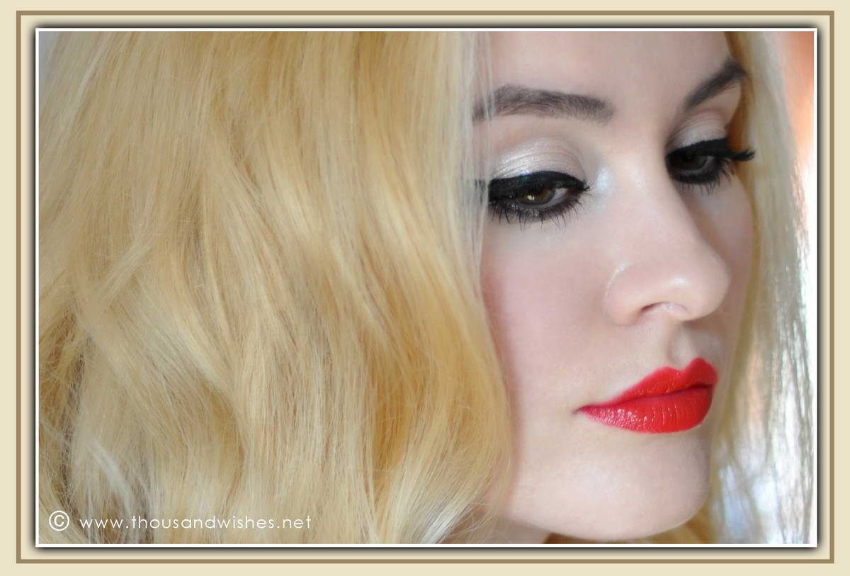 09_red_lips_cateye