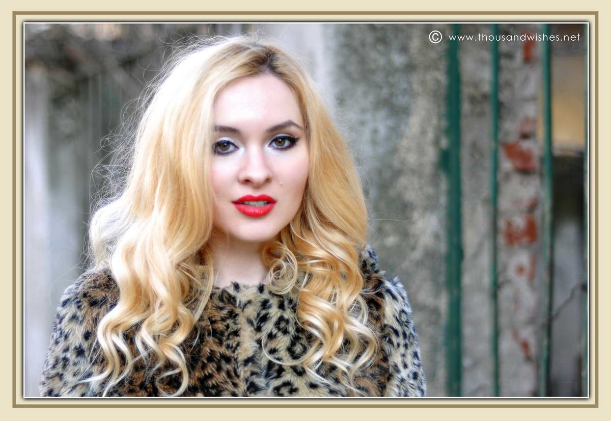 17_leopard_faux_fur_coat_blonde_red_lips