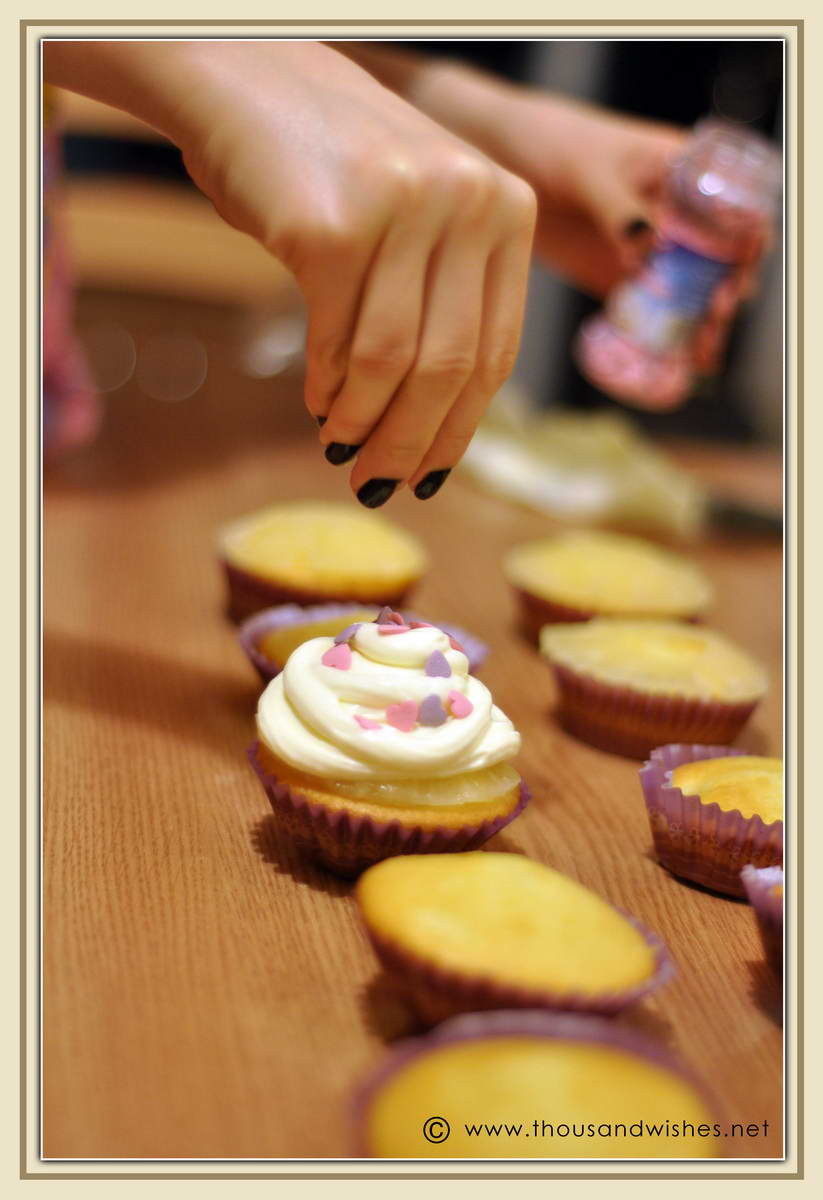 02_spring_pineapple_cheese_frosting_cupcakes