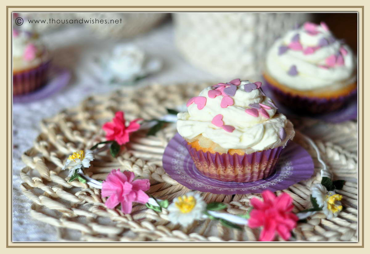 05_spring_pineapple_cheese_frosting_cupcakes