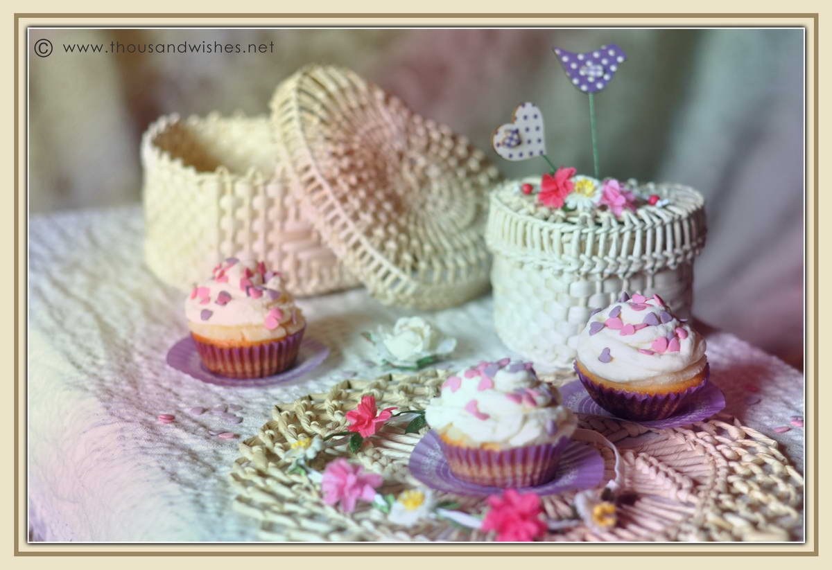 06_spring_pineapple_cheese_frosting_cupcakes