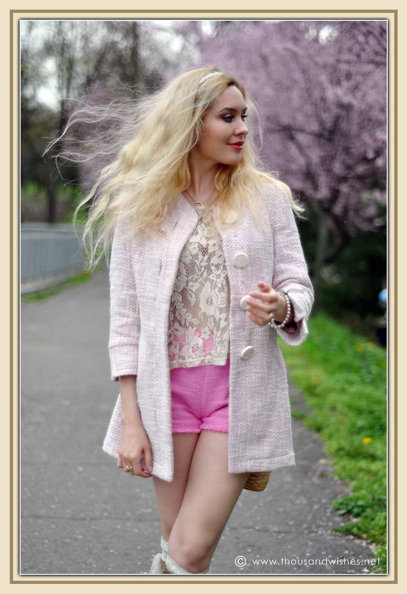 01_spring_timisoara_pink_shorts_lace_shirt