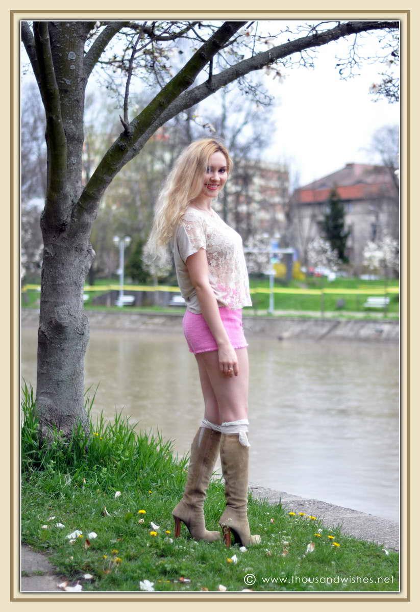 07_spring_timisoara_pink_shorts_lace_shirt