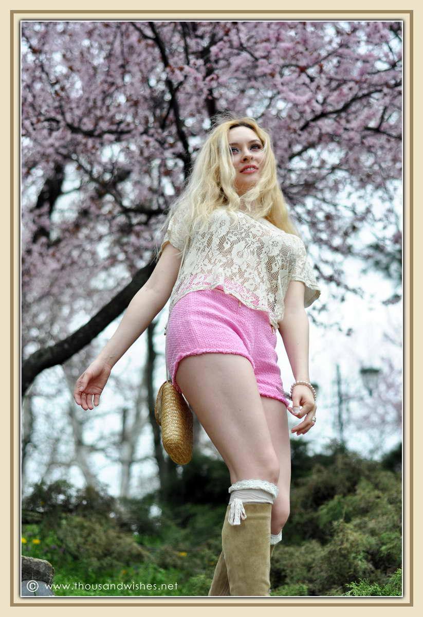 08_spring_timisoara_pink_shorts_lace_shirt