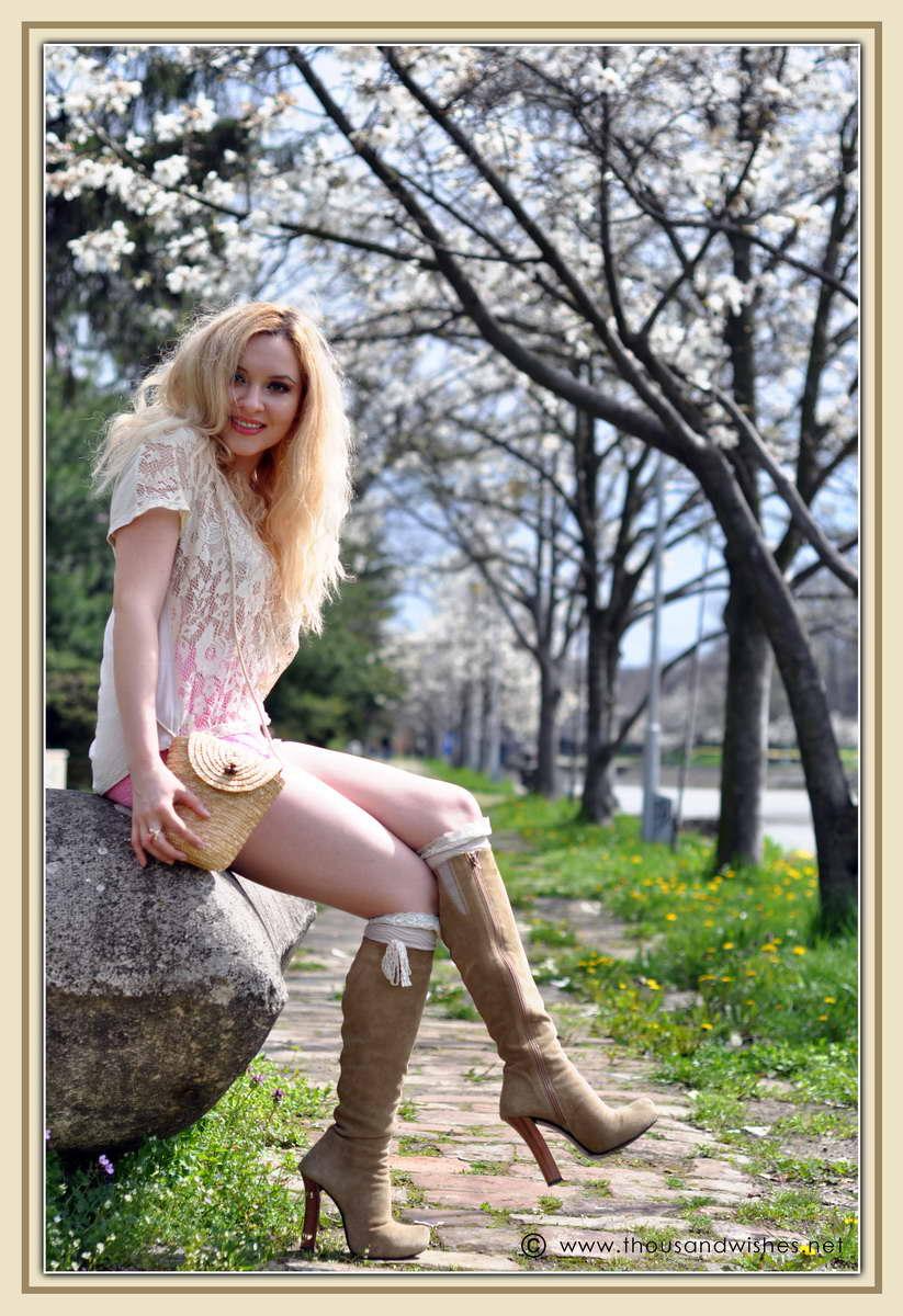 14_spring_timisoara_pink_shorts_lace_shirt