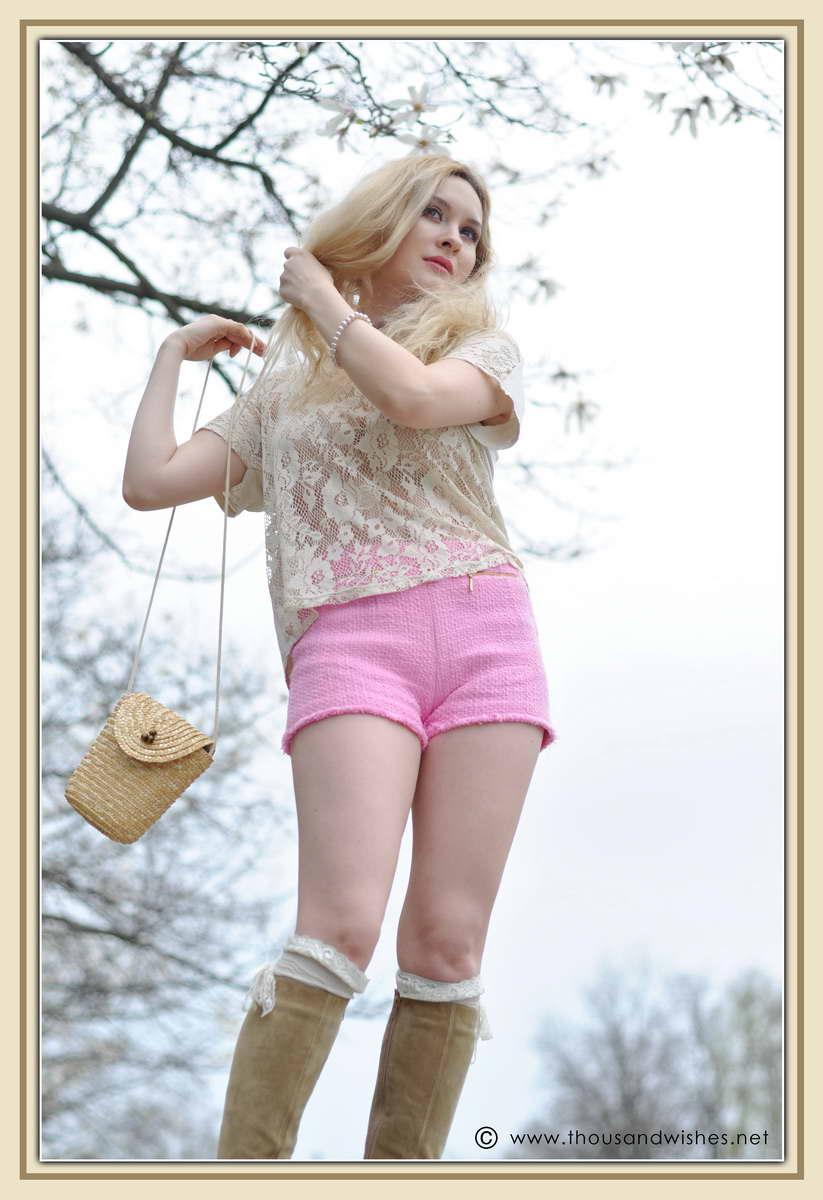 19_spring_timisoara_pink_shorts_lace_shirt