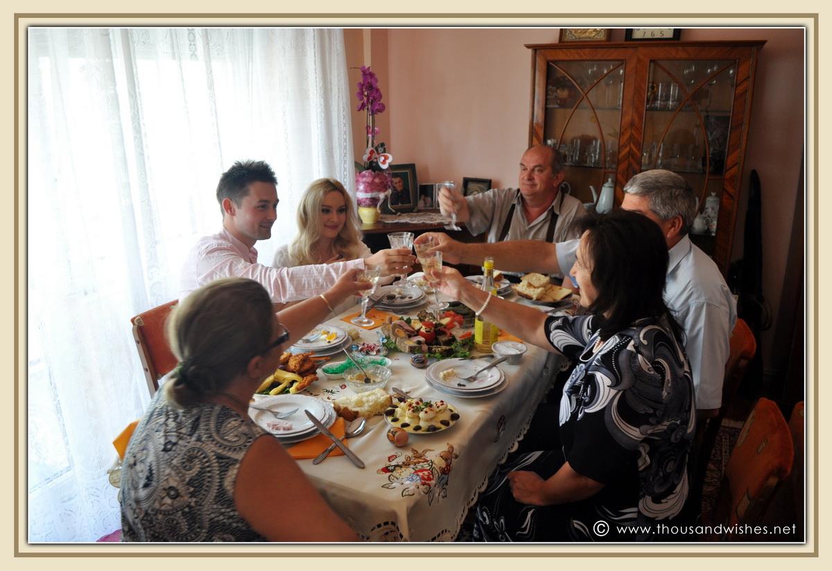 08_easter_family