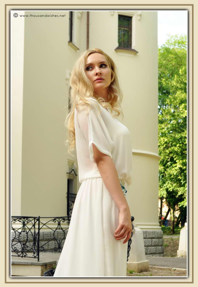 19_white_long_dress_zara_blonde