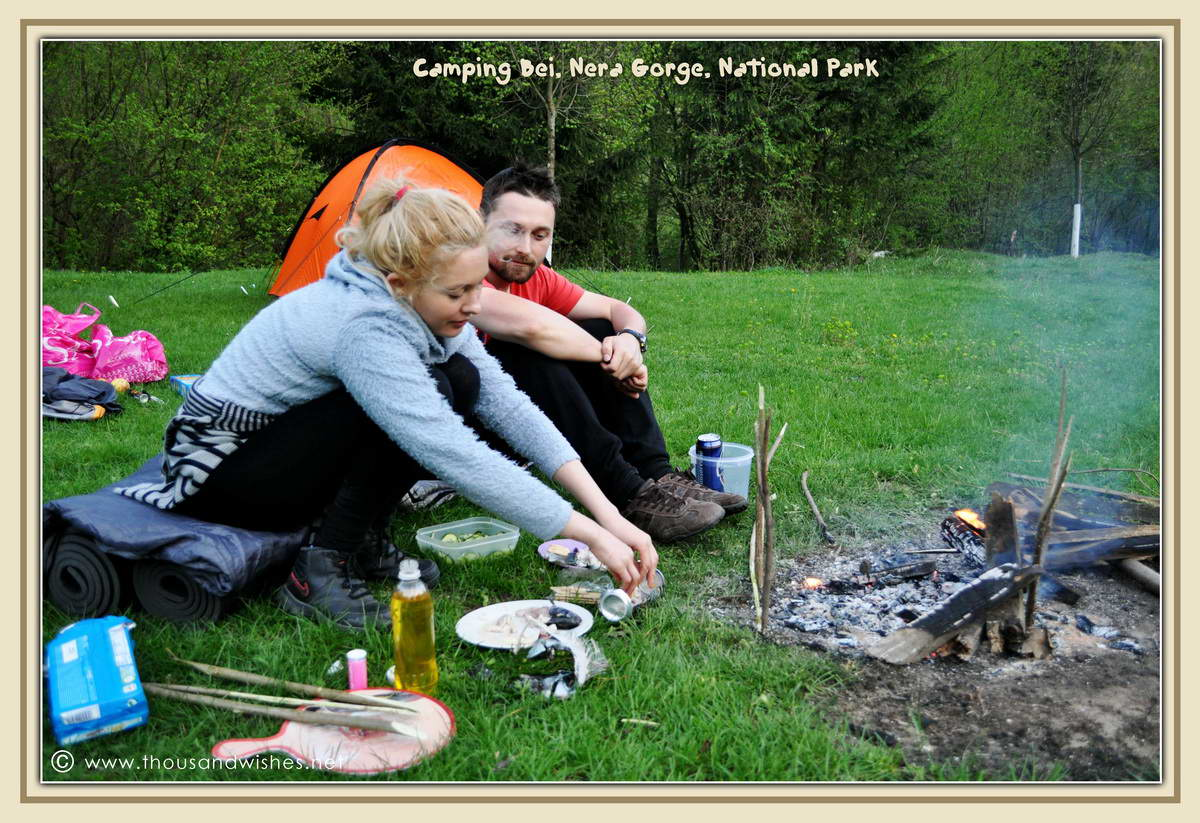 42_preparing_fish_trout_camping_bei_nera_gorge_romania