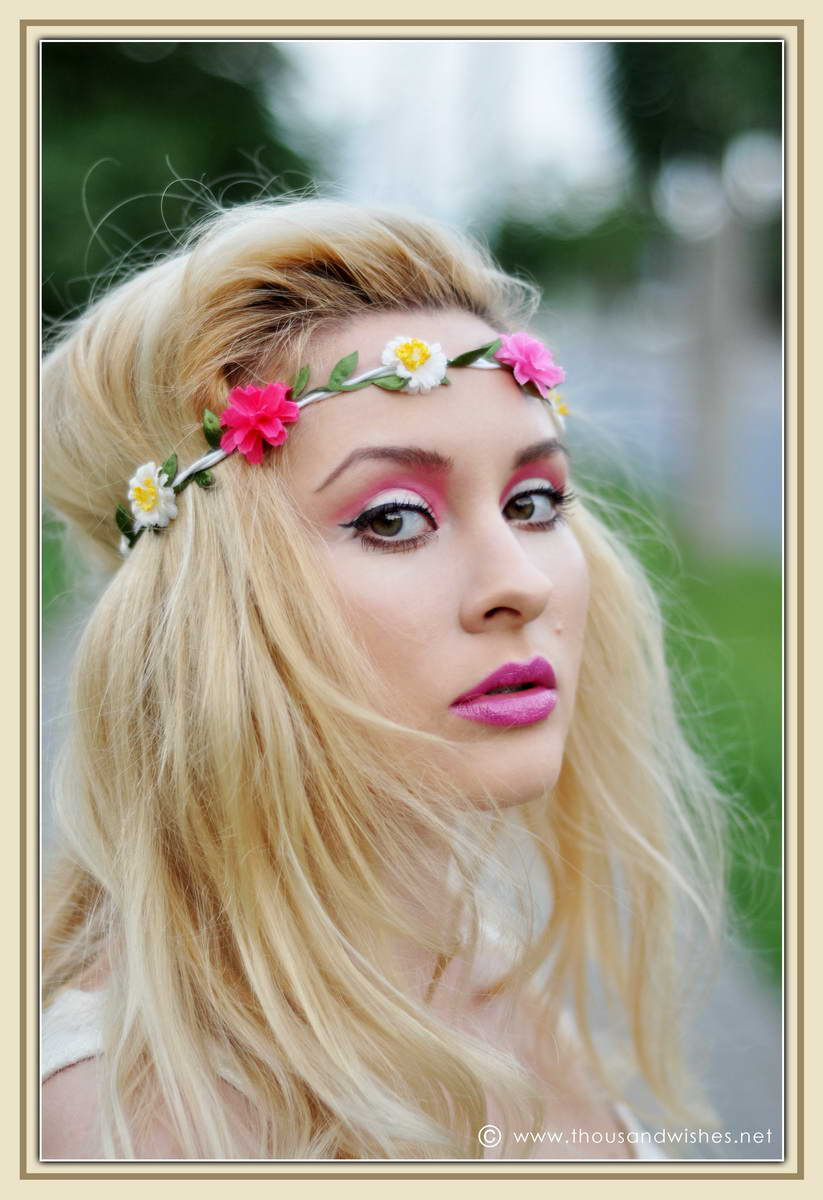 01_pink_green_eyes_purple_lips_flower_headband