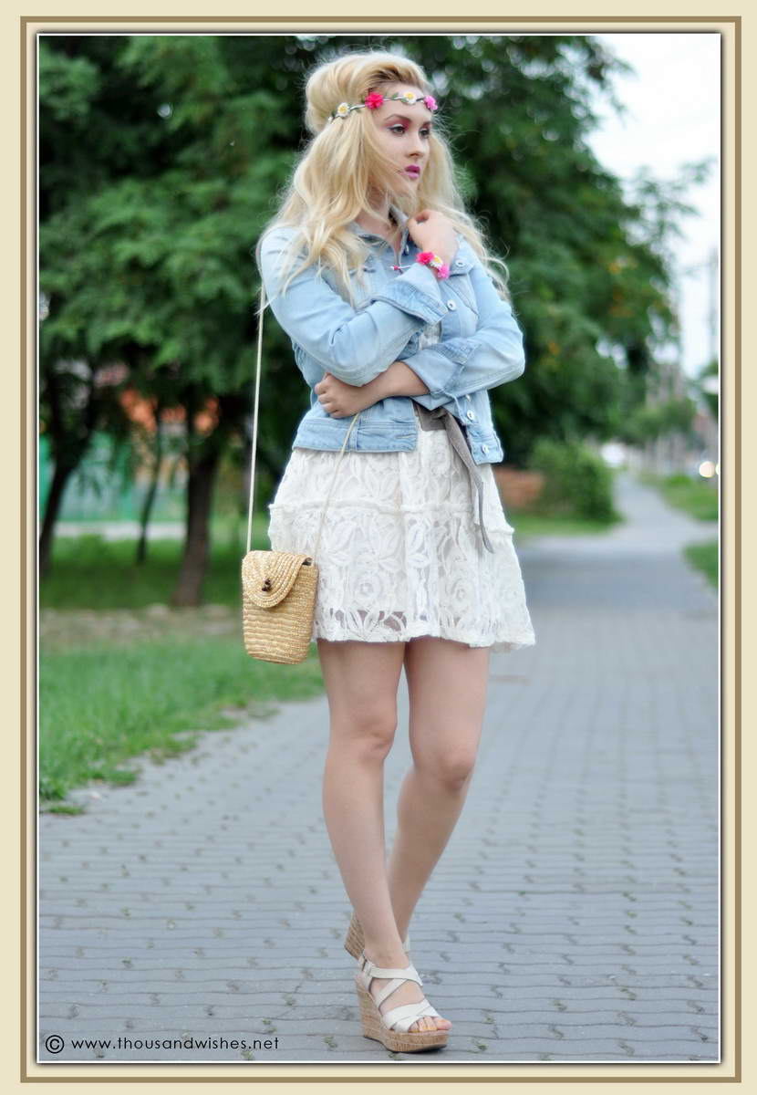 01_white_dress_jeans_jacket_flower_headband