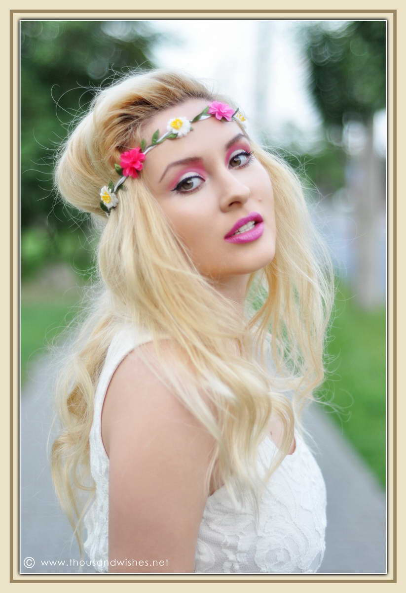 03_pink_green_eyes_purple_lips_flower_headband