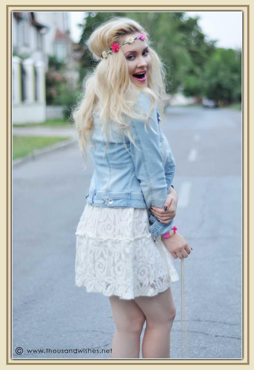 03_white_dress_jeans_jacket_flower_headband