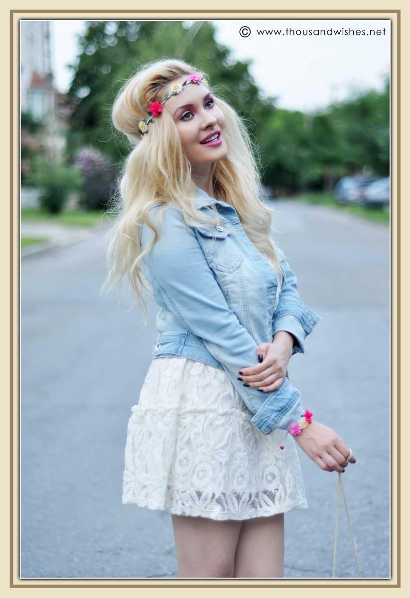 05_white_dress_jeans_jacket_flower_headband