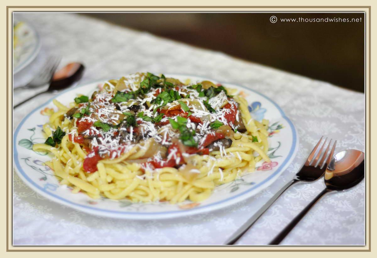 08_eggplant_zucchini_tomato_basil_parmesan_spatzle_pasta