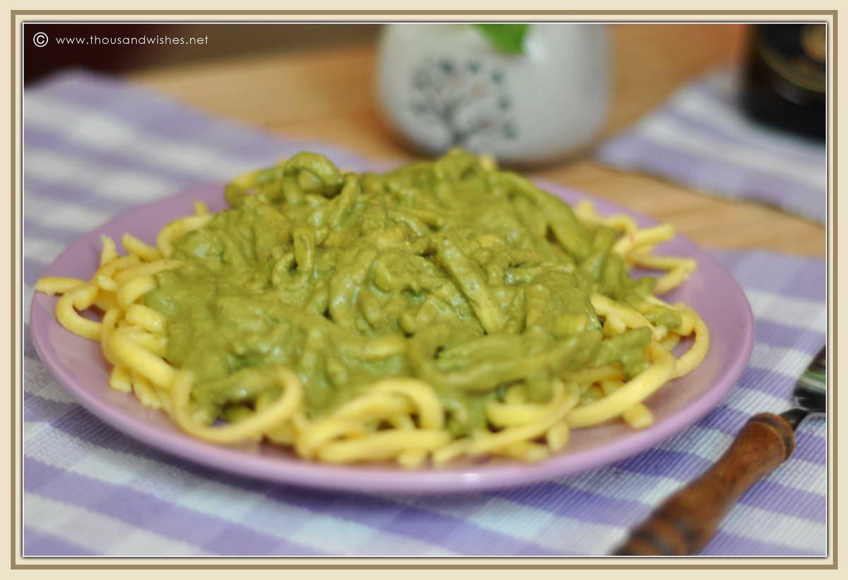 07_pasta_pesto_sauce