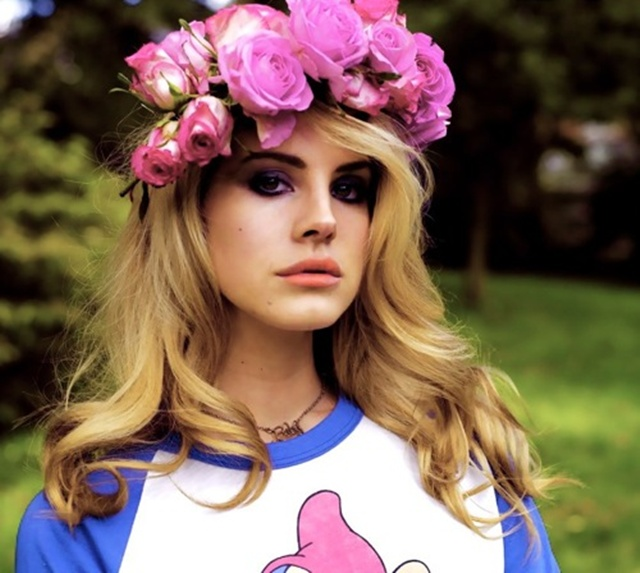 08_lana_del_rey_flower_crown