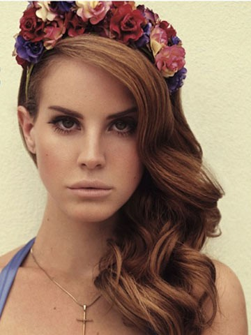 09_lana_del_rey_flower_crown