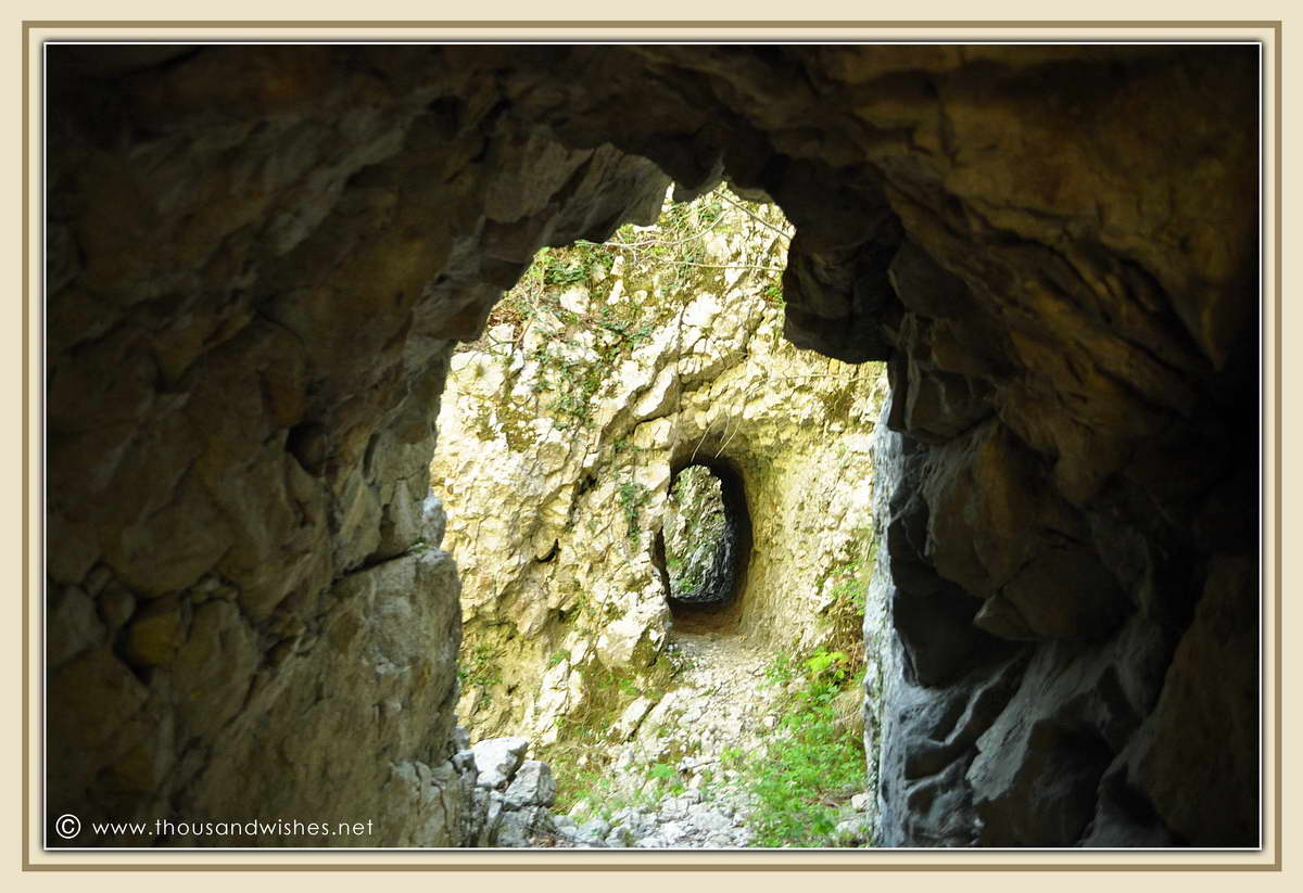 32_neras_gorges_tunnels