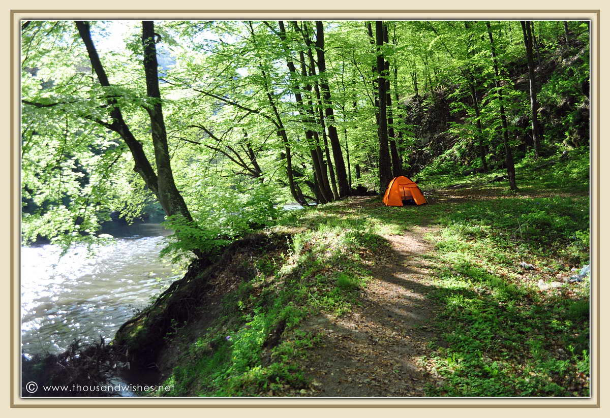 47_neras_gorges_devils_lake_camping