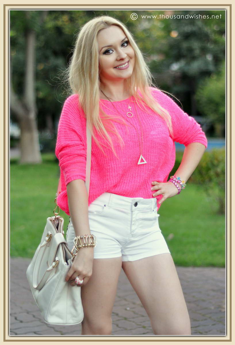 01_pink_knit_zara_white_jeans_shorts