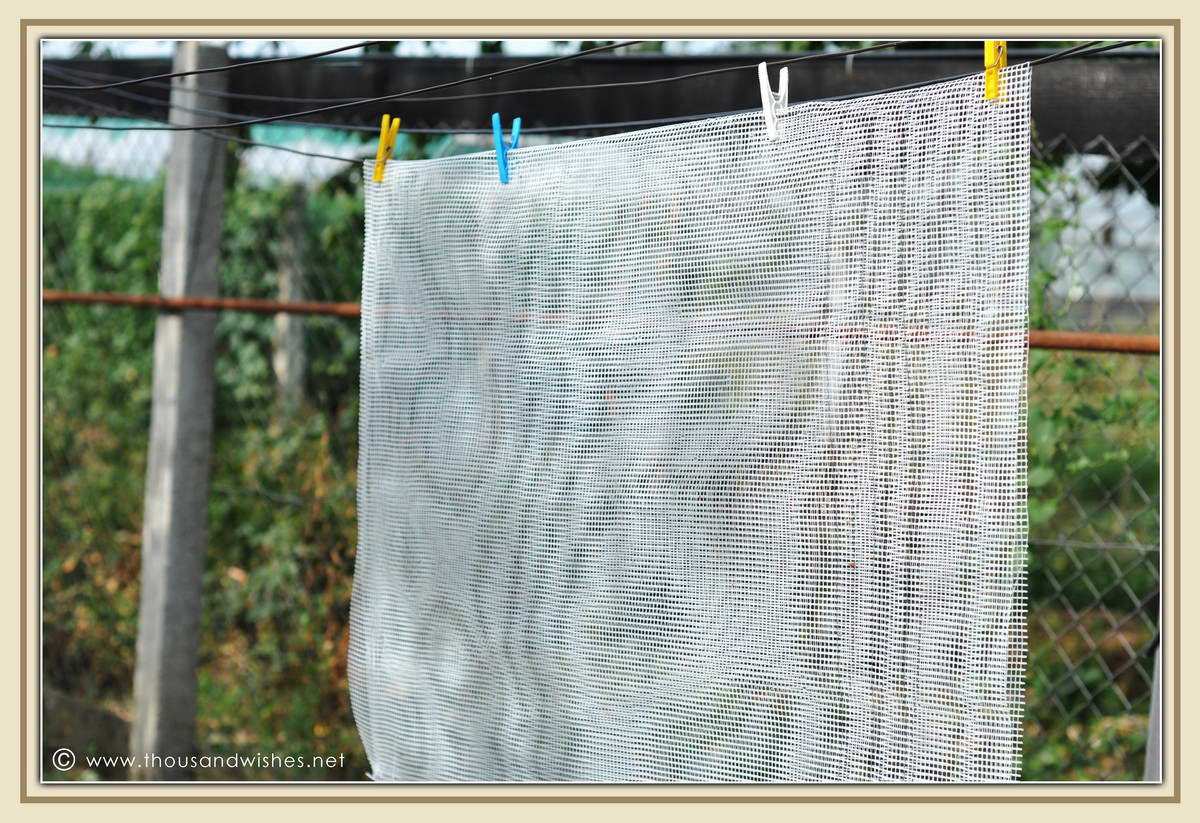 02_diy_solar_dehydrator_fiberglass_mesh