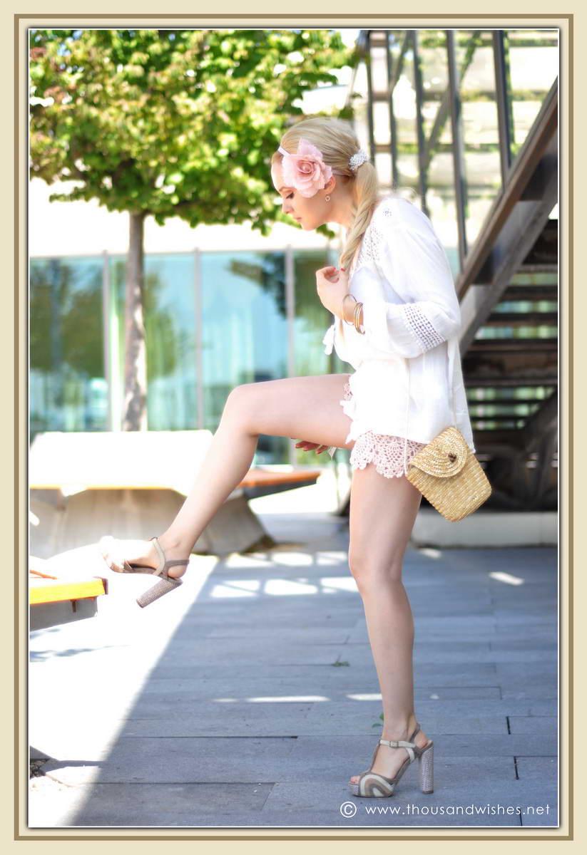 09_ie_crochet_shorts_flower_accessory
