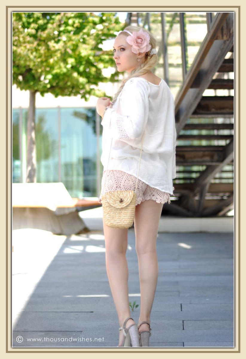 10_ie_crochet_shorts_flower_accessory