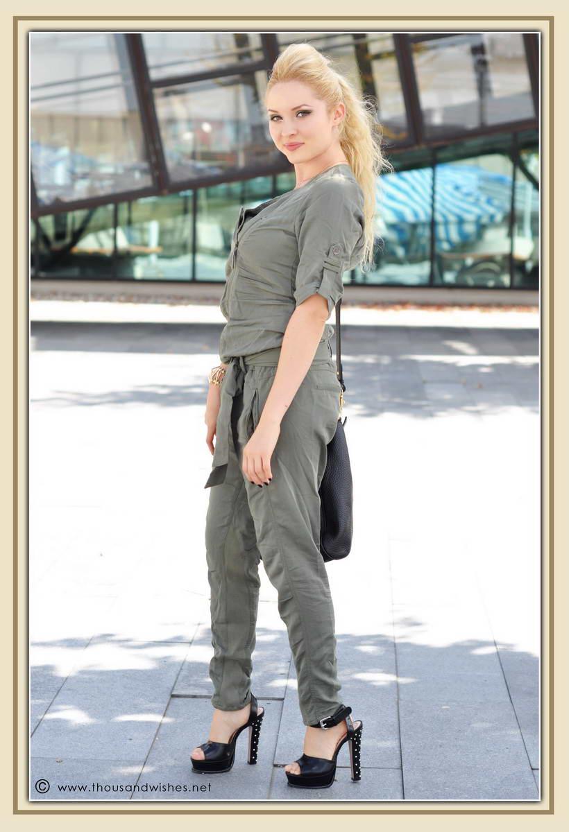 10_khaki_jumper_black_studded_heels