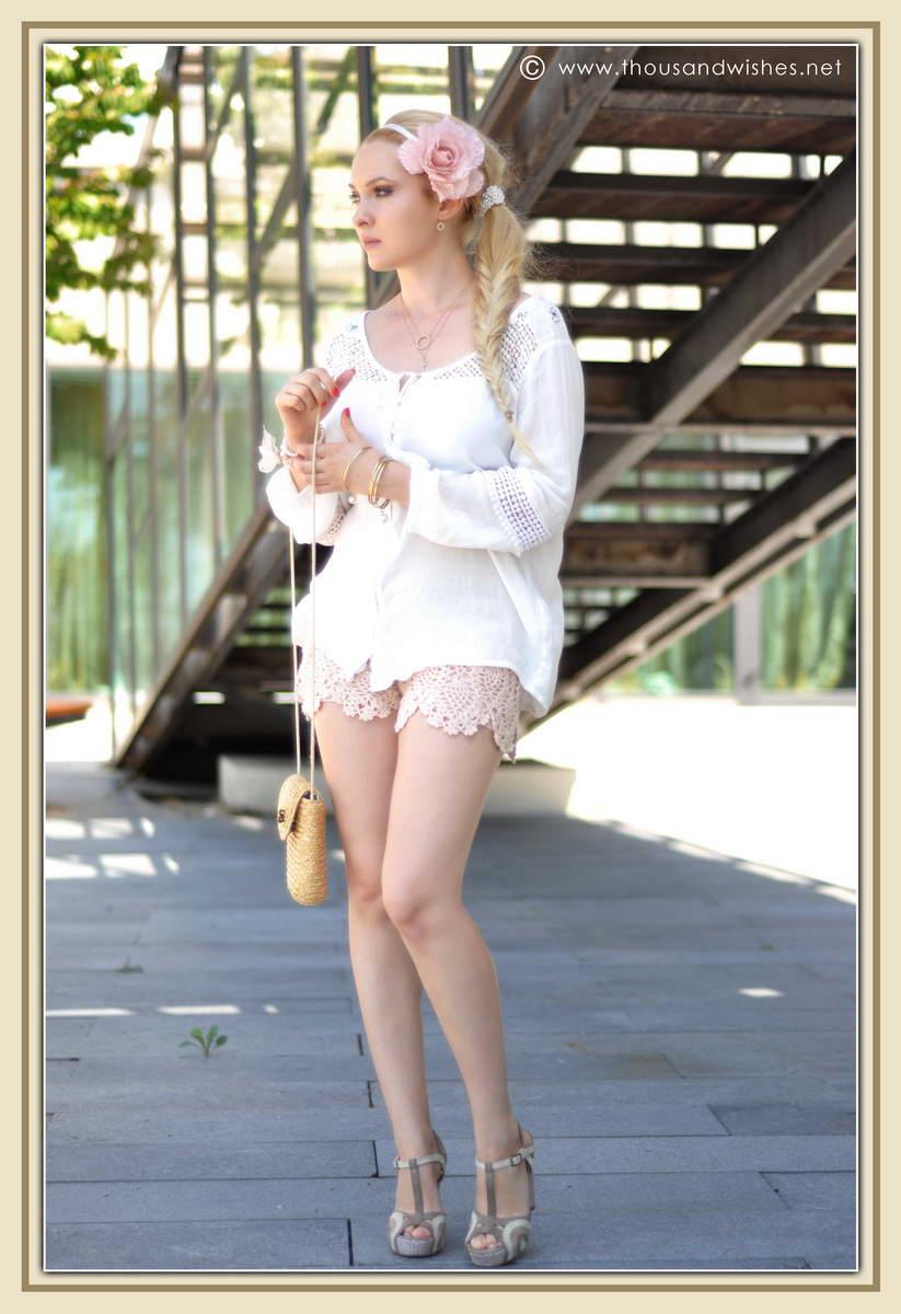 12_ie_crochet_shorts_flower_accessory