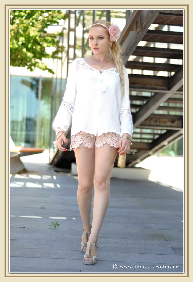 13_ie_crochet_shorts_flower_accessory