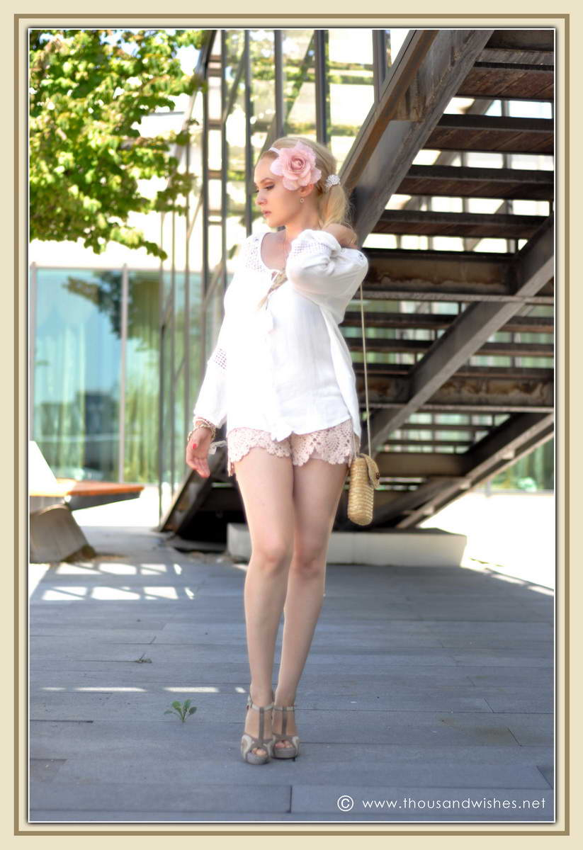 14_ie_crochet_shorts_flower_accessory