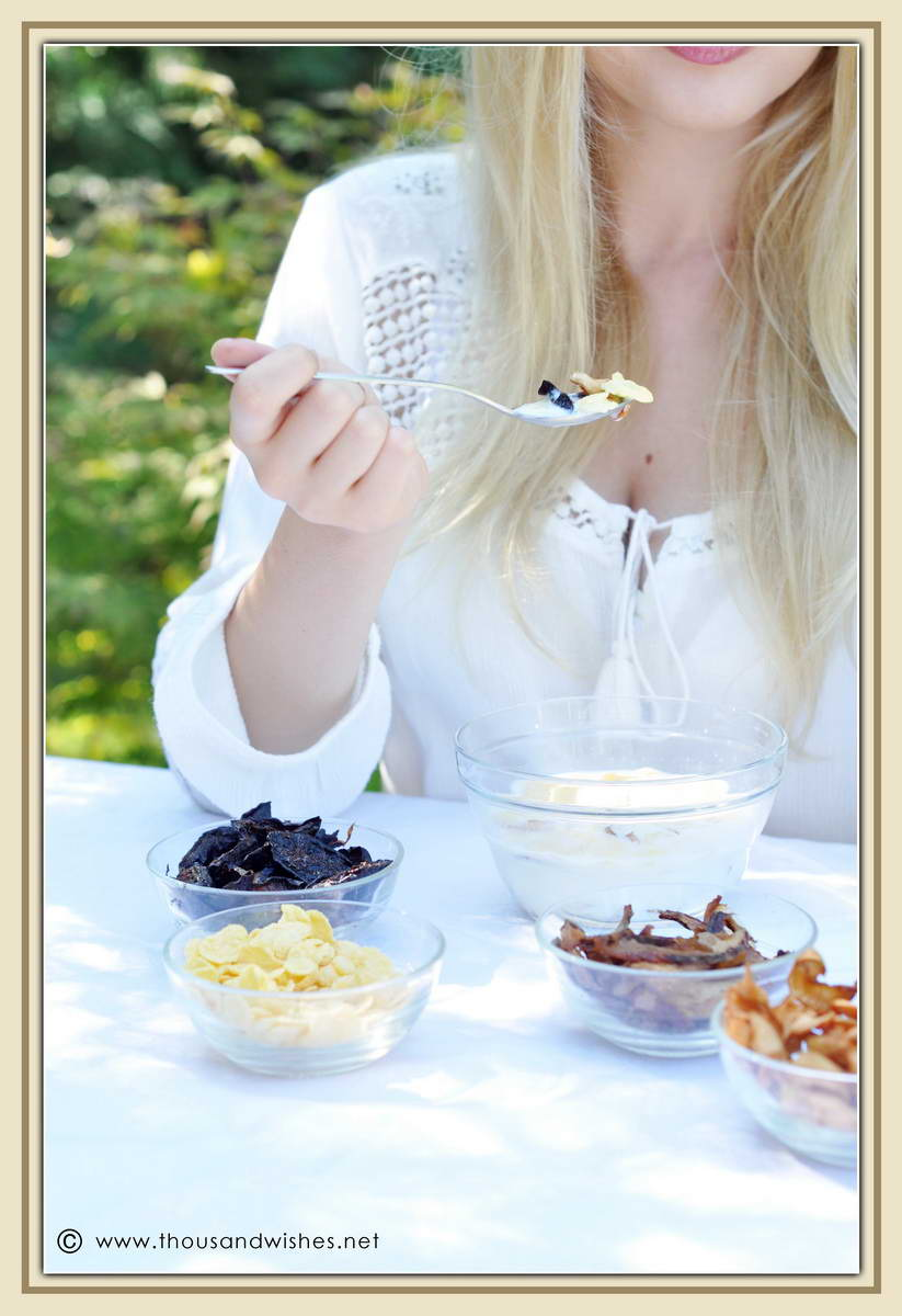 29_blonde_eating_breakfast_dried_fruits_cereals
