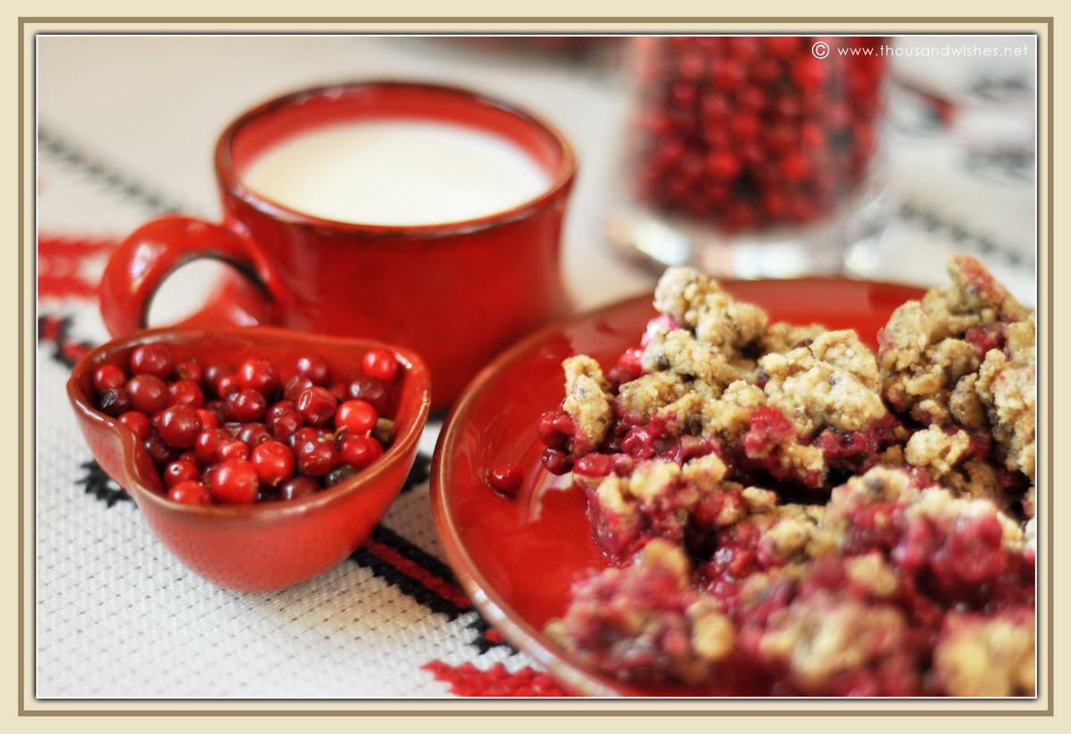 04_Vaccinium_vitis_idaea_lingonberry_cowberry_walnuts_cobbler