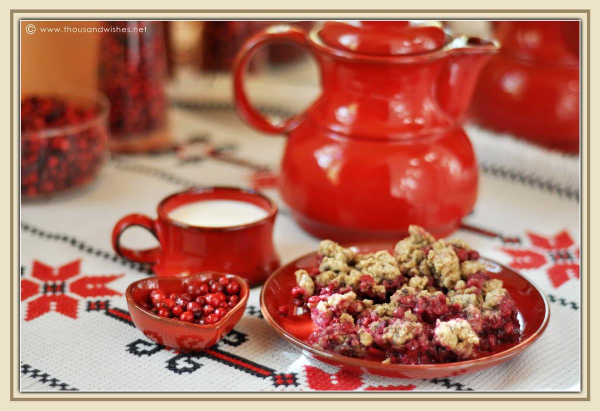 05_Vaccinium_vitis_idaea_lingonberry_cowberry_walnuts_cobbler