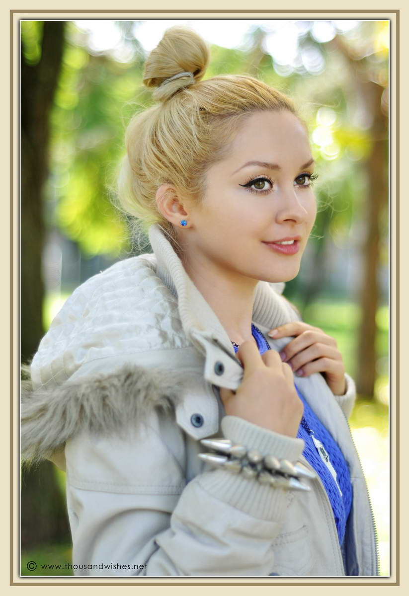 05_blue_knit_white_leather_jacket
