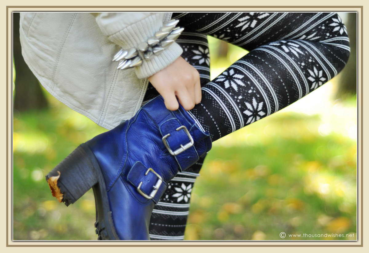 06_blue_boots_aztec_leggings