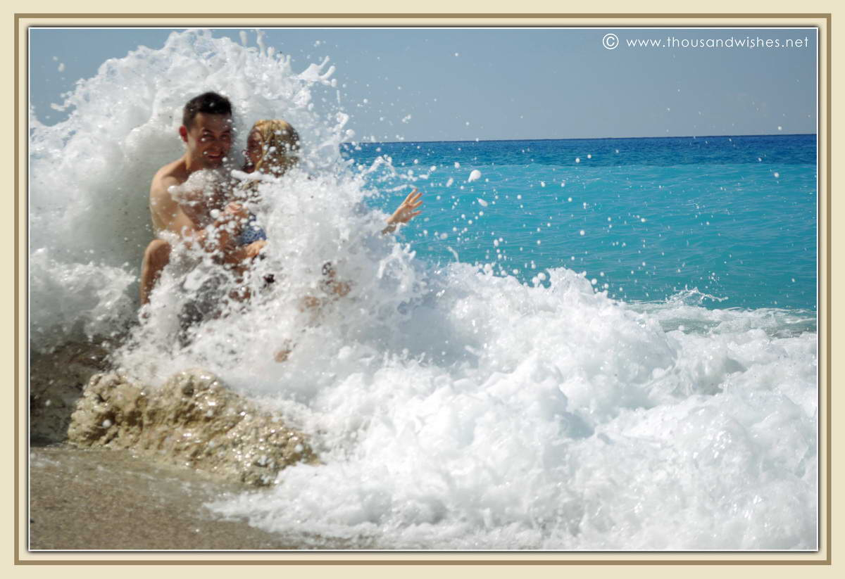 10_lefkada_greece_gialos_beach_waves