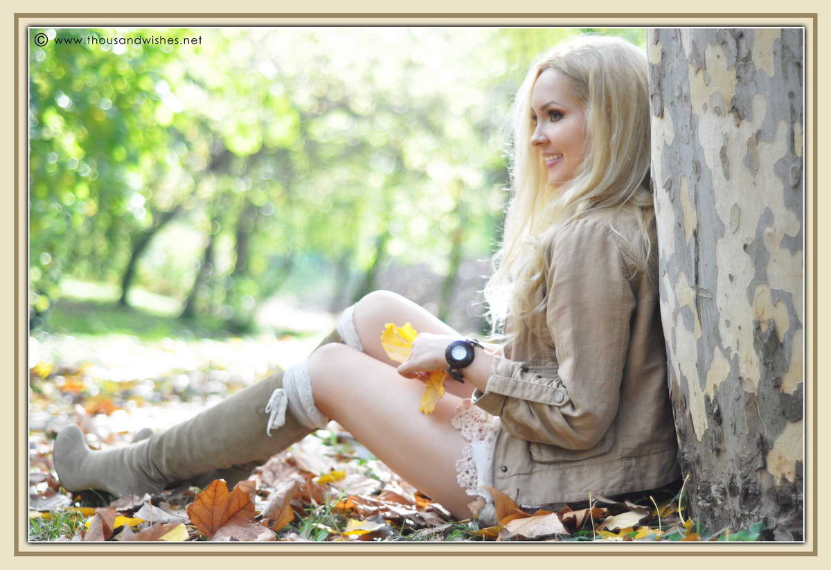 14_fall_beige_look_crochet_shorts_wooden_accessories