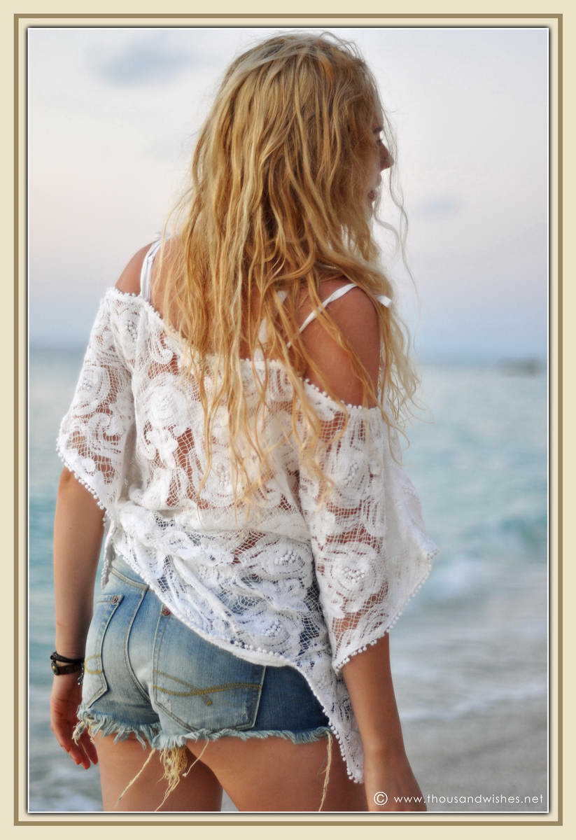 18_white_crochet_shirt_jeans_shorts_blonde