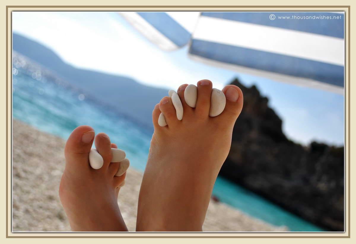 20_finger_foot_rocks