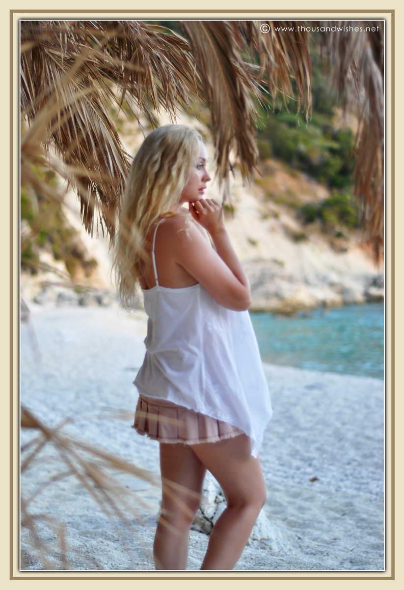 33_blonde_beach