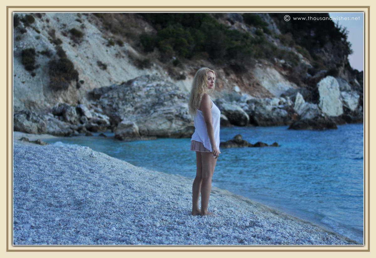36_girl_beach