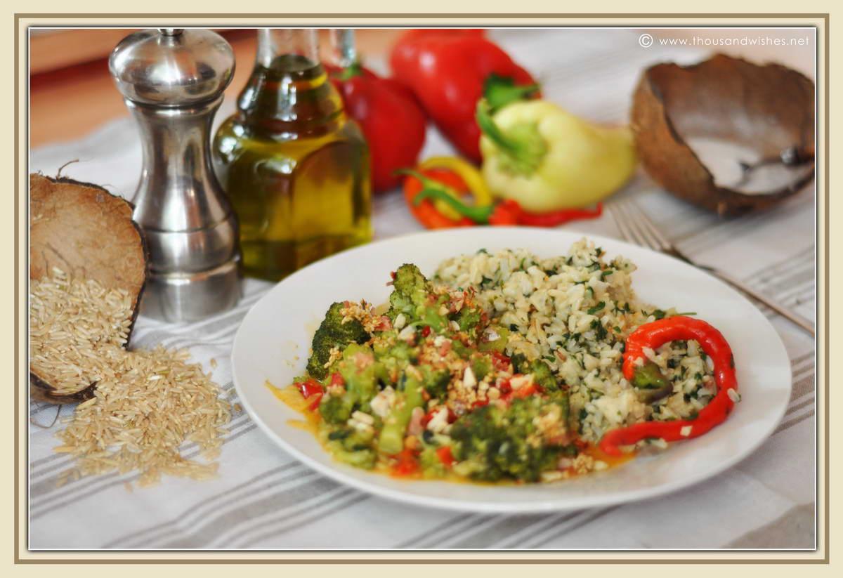 12_whole_rice_broccoli_peppers_peanuts_sesame