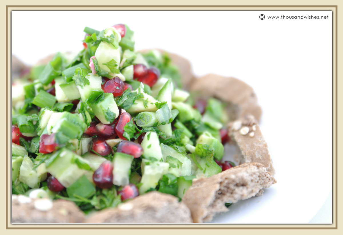 02_parsley_cucumber_avocado_pomegranate_salad