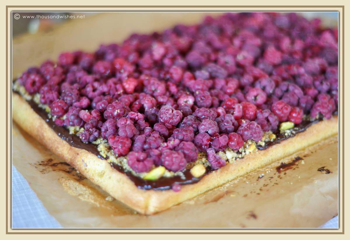 02_raspberry_pistachio_chocolate_tartlets