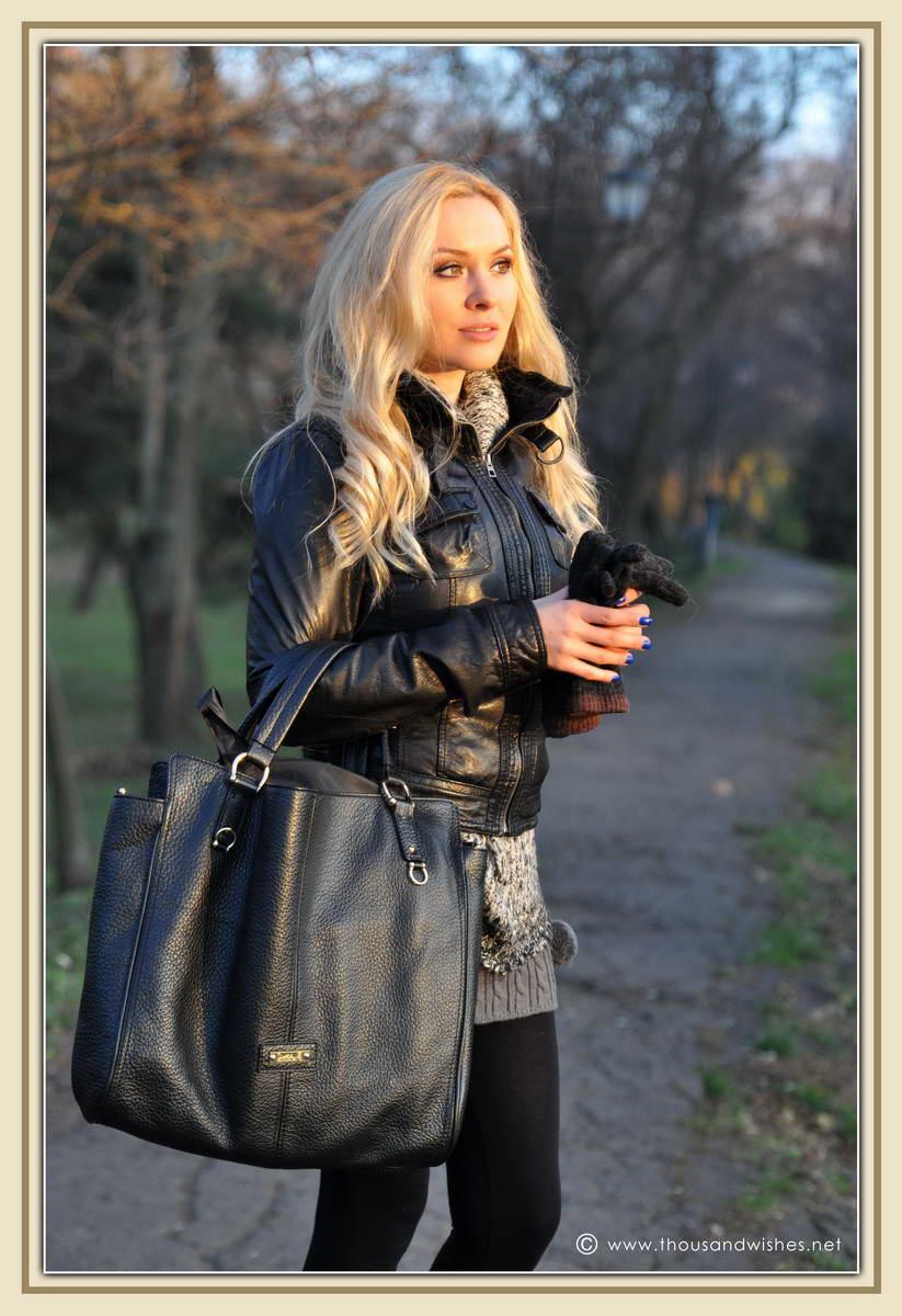 08_short_knit_skirt_black_leather_jacket