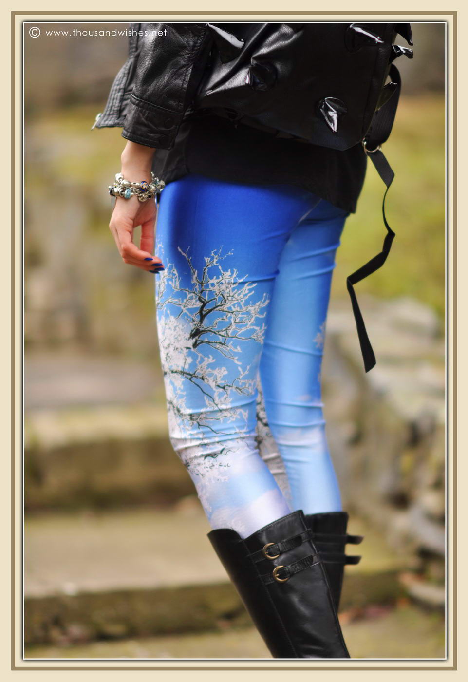 05_winter_scenery_leggings_hedgehog_bag_black_leather