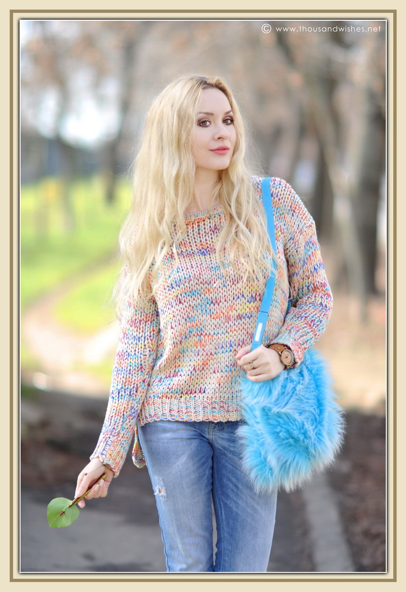 07_colorful_knit_fluffy_blue_bag
