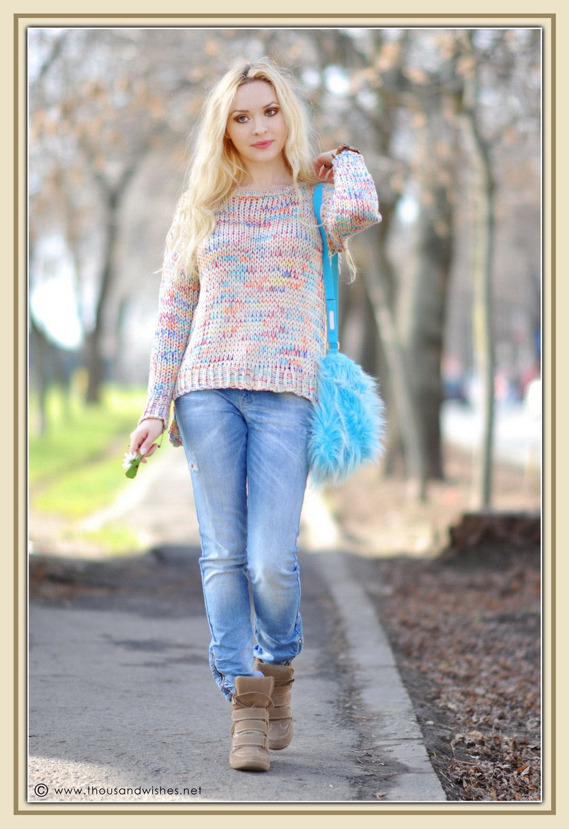 09_colorful_knit_fluffy_blue_bag_jeans